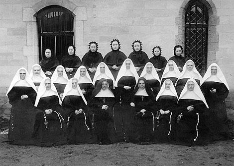 Postulantinnen und Novizinnen in Valkenburg um 1900